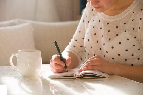 女性 ノート 記録 メモ