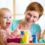 子供 保育 世話 保育所 保育園 積み木 室内遊び