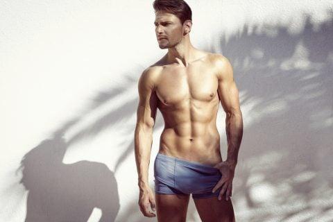 男性 裸 下着