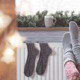 靴下 寒い 冬 オイルヒーター 暖かい 暖房