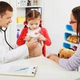 子供 病院 小児科 診察 聴診器