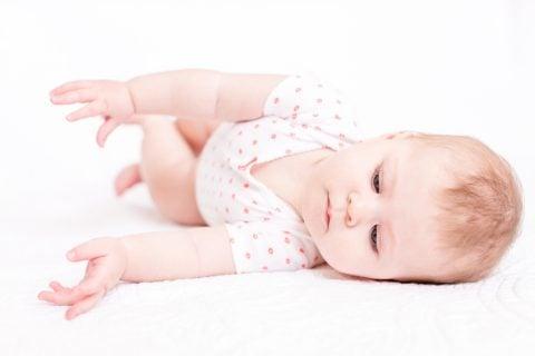 赤ちゃん 寝返り返り