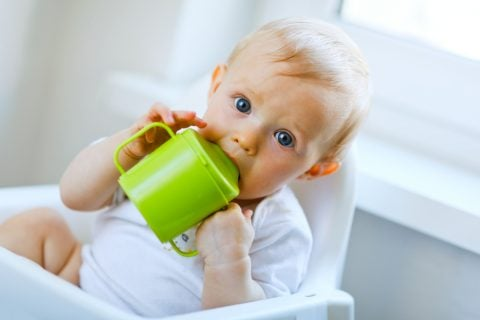 赤ちゃん スパウト コップ飲み