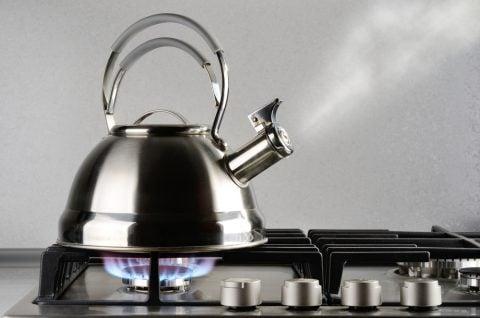 やかん 煮沸 ガスコンロ 水道水