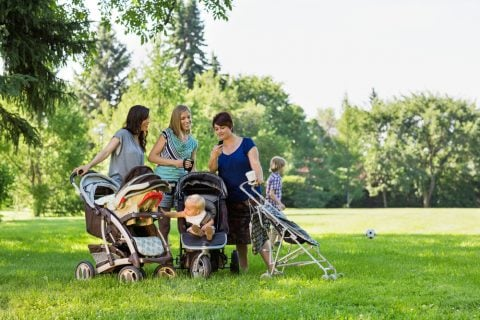 公園 ママ友 子供 赤ちゃん ベビーカー