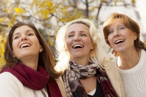 女性 中年 更年期 50代 リラックス