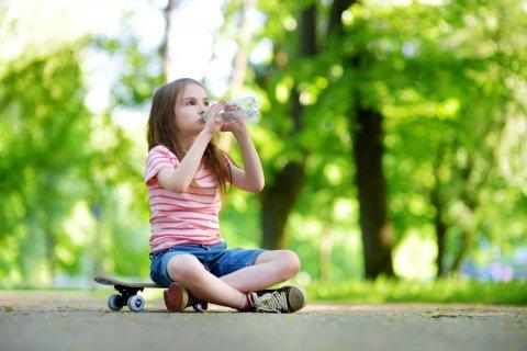 熱中症 水分補給 外遊び