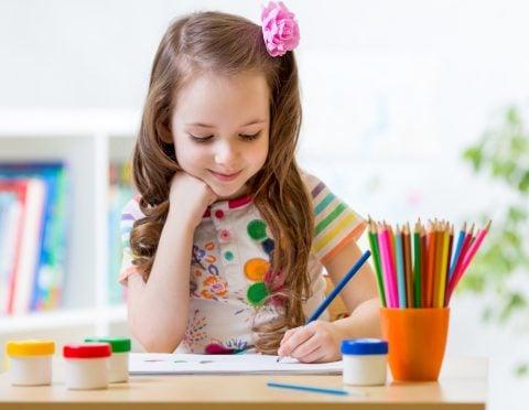子供 家庭学習 お絵描き 色鉛筆