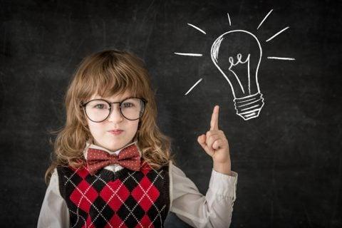 小学生 子供 プレゼン 黒板 ひらめき アイデア 豆電球
