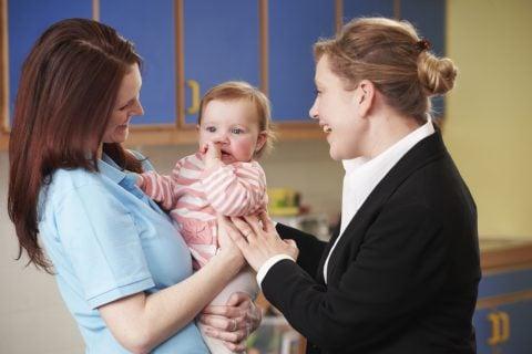 保育園 赤ちゃん ママ 保育士 先生