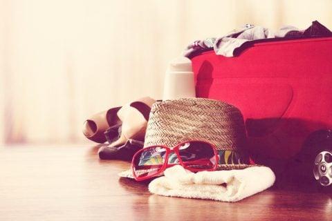 旅行 バッグ 持ち物 かばん