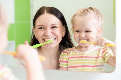 子供 ママ 歯磨き 親子