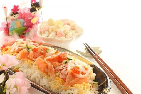 ひな祭り ちらし寿司 行事食 あられ 雛人形