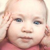 赤ちゃん 目 まつげ
