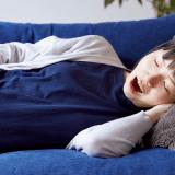 【アイキャッチ使用】妊婦 オリジナル 眠い 日本人