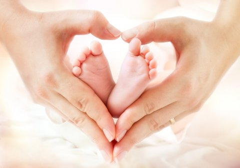 赤ちゃん 足 手