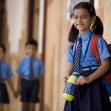 小学生 小学校 制服 水筒 通学 女の子