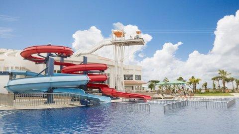 要出典 沖縄 プール シェラトン沖縄サンマリーナリゾート ガーデンプール