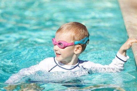 プール 男の子 泳ぐ 水泳 スイミング ゴーグル 夏