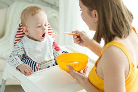 離乳食 赤ちゃん ママ 親子