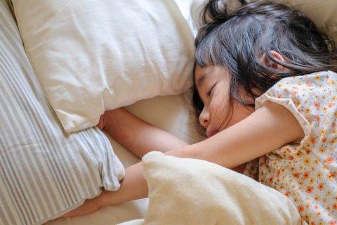 3歳 女の子 日本人 寝る