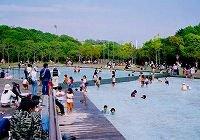 要出典 じゃぶじゃぶ池 神戸総合運動公園 水のくに 兵庫県神戸市