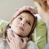 子供 喉 痛い 病気