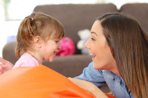 親子 ママ 子供 女の子 会話