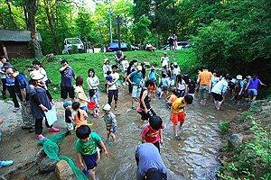 川遊びができる関西のおすすめスポット8選!子供と綺麗な川を ...