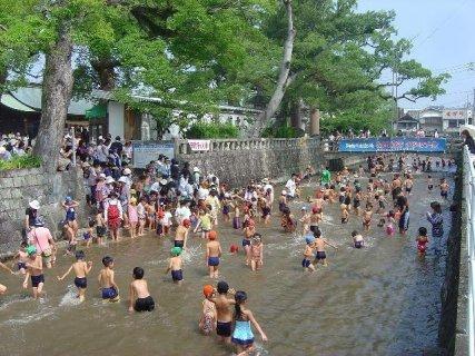 要出典 川遊び 多布施川 水遊び場 佐賀県佐賀市