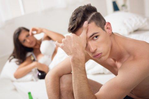 男性 女性 悩む 困る カップル 夫婦
