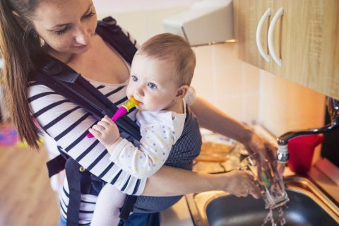 抱っこ紐 赤ちゃん ママ
