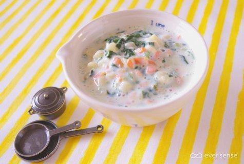 要出典 粉ミルク キューブタイプ ささみとマカロニのクリーム煮