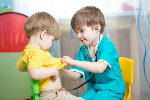 子供 赤ちゃん 病院 診察 診断 医師 医者 先生 ごっこ遊び