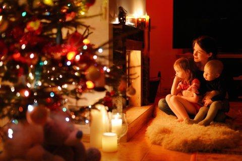 クリスマス 親子 光 クリスマスツリー 星