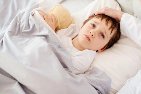 子供 病気 ベッド 不安