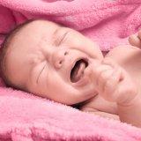 赤ちゃん 新生児 泣く