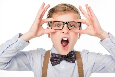 男の子 メガネ 口