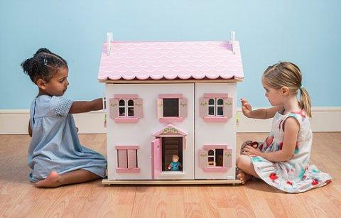 要出典 2歳 3歳 クリスマスプレゼント イギリス レトイバン ラベンダーハウス ミニチュアハウス 二階建て 屋根裏付き