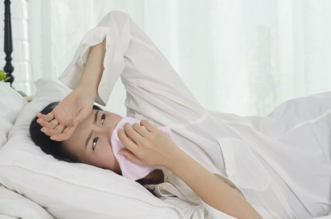 日本人 つわり 女性 ベッド