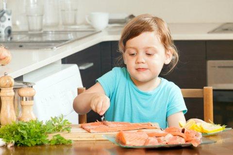 子供 生魚 鮭