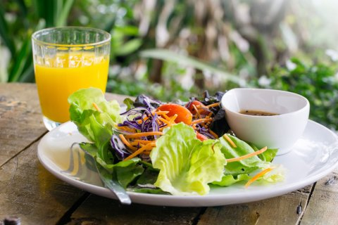 サラダ 食事 朝ごはん 朝食