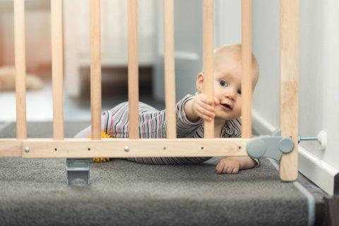 赤ちゃん ベビーフェンス 柵 ゲート