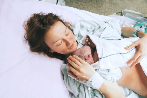 出産直後 ママ 赤ちゃん 入院