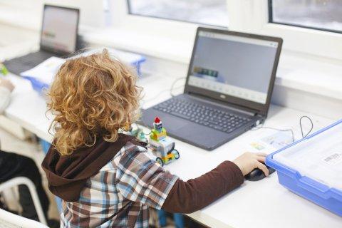 プログラミング教育 子供 パソコン ロボット