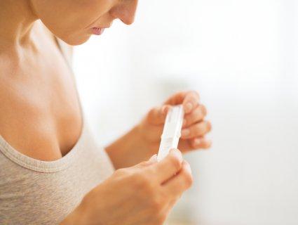 妊娠検査薬 女性 蒸発線