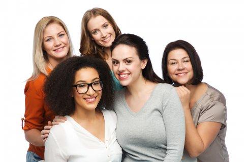 女性 グループ 年齢 世代