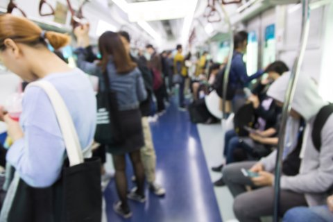 電車 混雑 通勤
