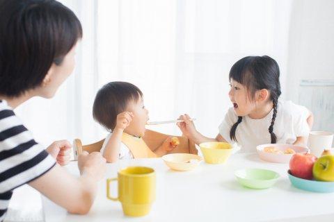 離乳食 日本人 赤ちゃん 食卓