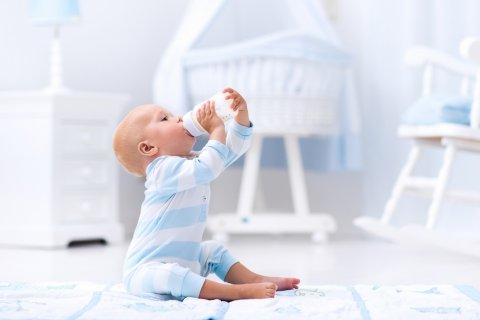 赤ちゃん 粉ミルク 哺乳瓶